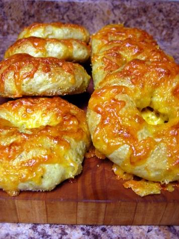 jalapeno-cheddar bagels