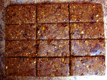 raw apricot + ginger nut bars
