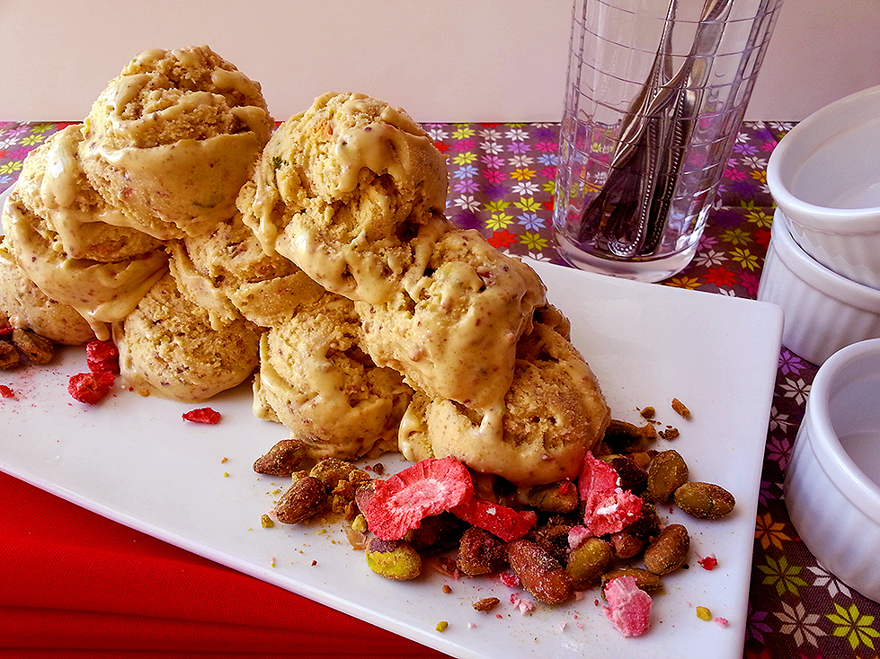 roasted pistachio ice cream   oven & apron