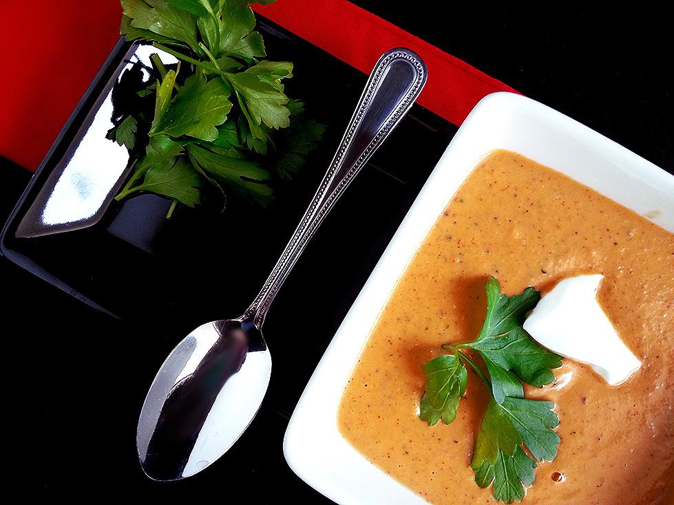 cauliflower-tahini soup with paprika +lemon
