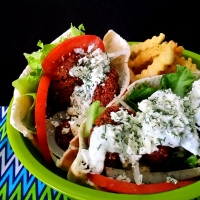 national sandwich month: crunchy falafel pita sandwiches