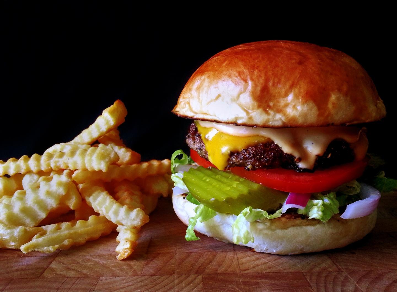 national sandwich month: classic summercheeseburgers